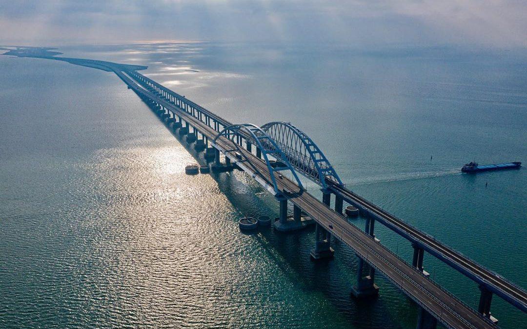Строительство железнодорожной части Крымского моста официально завершено